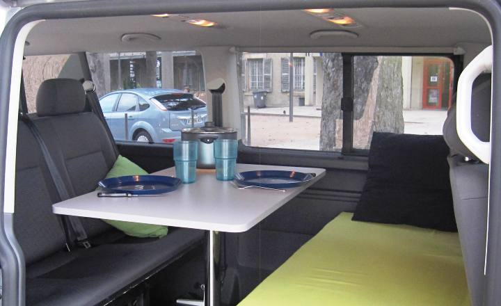 camping cars blacksheep location de van am nag campervan et minibus en ligne ccar. Black Bedroom Furniture Sets. Home Design Ideas